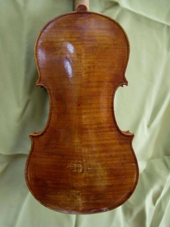 violon Chipiù: fond