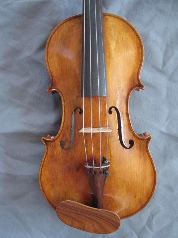 "violon ""Jacana"" table"