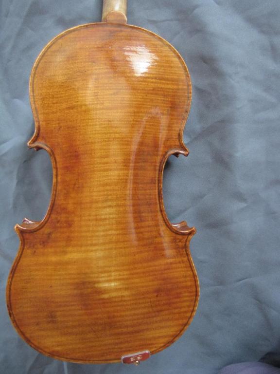 "violon ""Jacana"" fond"