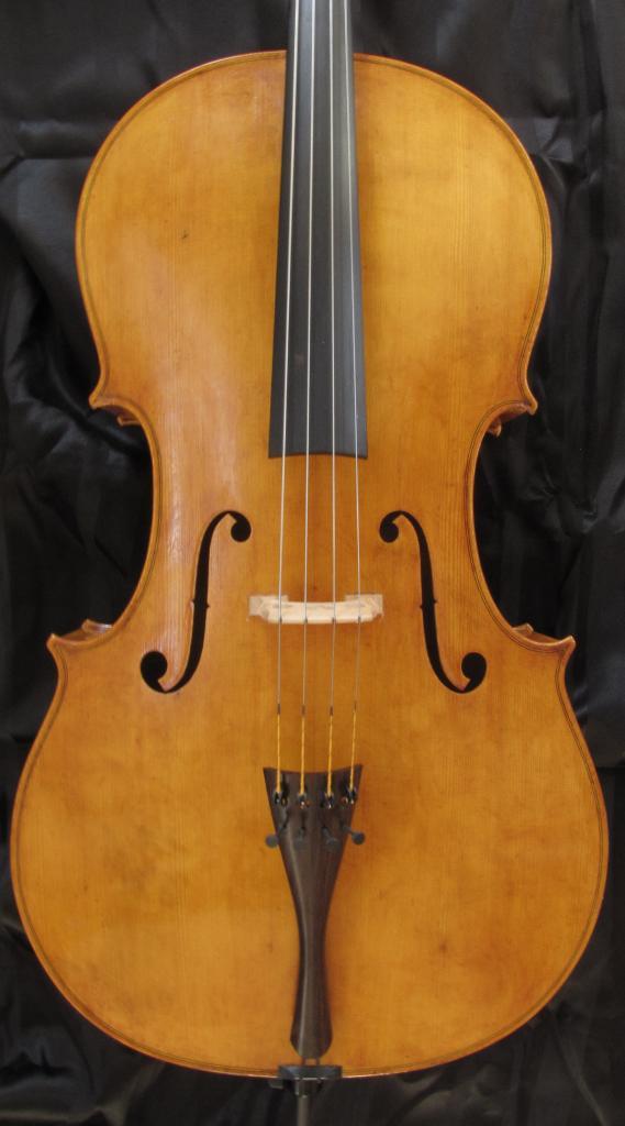 violoncelle  Paradisiaea Raggia (table) vendu à Pau